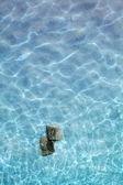 Hell blaues wasser — Stockfoto