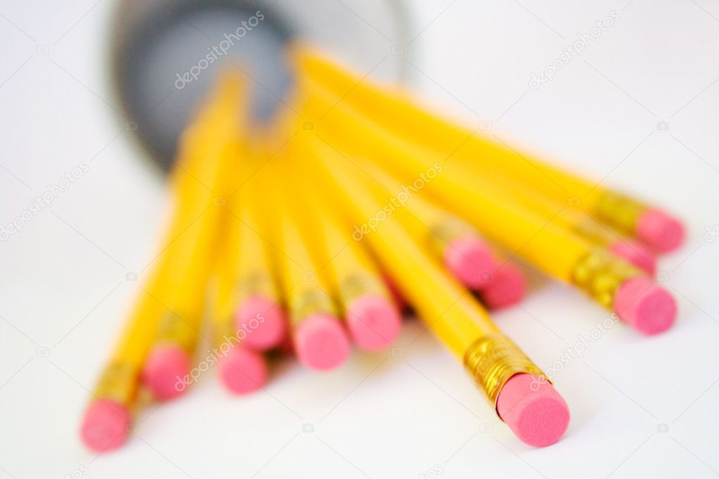 Bunch of yellow pencils  on white background — Stock Photo #6287673