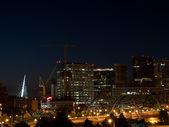 Km wysokie miasto denver w nocy — Zdjęcie stockowe