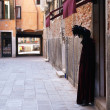 Costume figure in Venice — Stock Photo