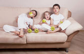 Children and Apples — Stock Photo