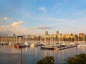 一些小船在巴塞罗那港口 — 图库照片