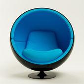 Modern mavi siyah koza topu sandalye beyaz zemin üzerine izole — Stok fotoğraf