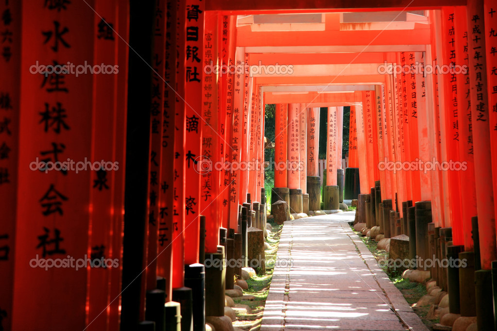 Inari torii gates - Fushimi Inari Shrine at Kyoto - Japan — Stock Photo #6214083
