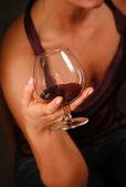 Vidrio con un vino tinto — Foto de Stock
