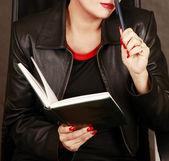 Libro y un lápiz — Foto de Stock