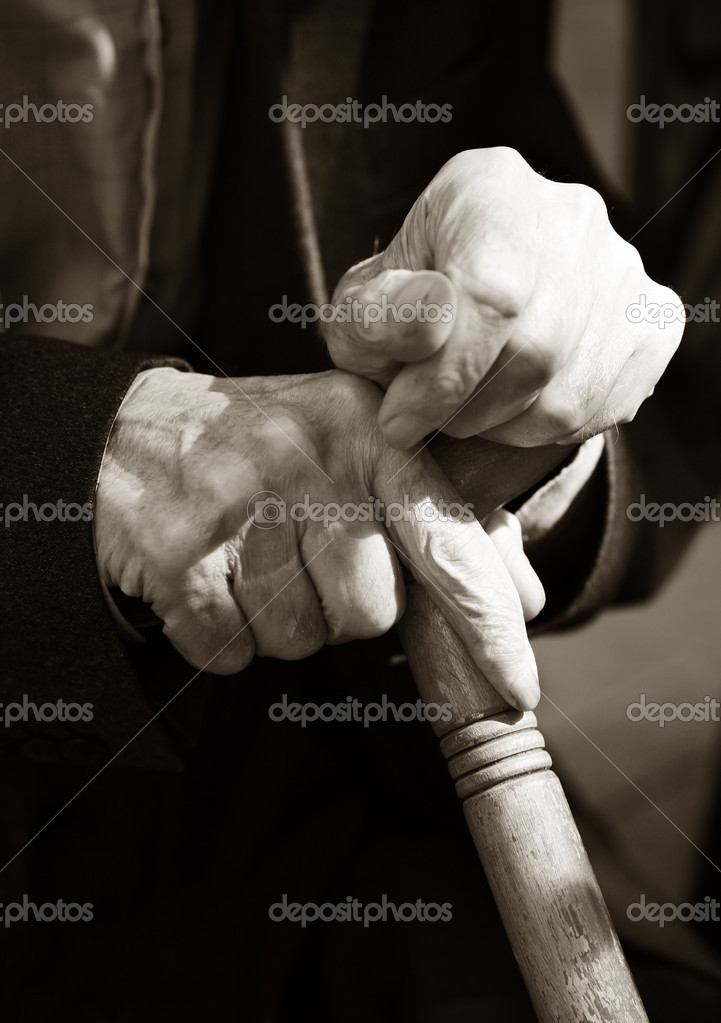 Hands of the elderly man  Stock Photo #6185389