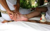 Masaje de piernas — Foto de Stock