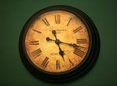 Staré hodiny stále jít — Stock fotografie