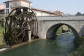 Groppello d'Adda (Milan, Lombardy, Italy), ancient bridge and wa — Stock Photo
