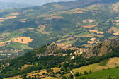 Montefeltro (Marches, Italy), landscape near Urbino at summer: o — Stock Photo