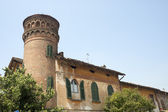 Calvenzano (Bergamo, Lombardy, Italy), ancient building with cyl — Stock Photo