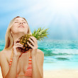 Girl with pineapple — Stock Photo