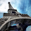The Eiffel tower is one of the most recognizable landmarks in th - Zdjęcie stockowe