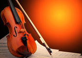 Hudební nástroje - housle a poznámky — Stock fotografie