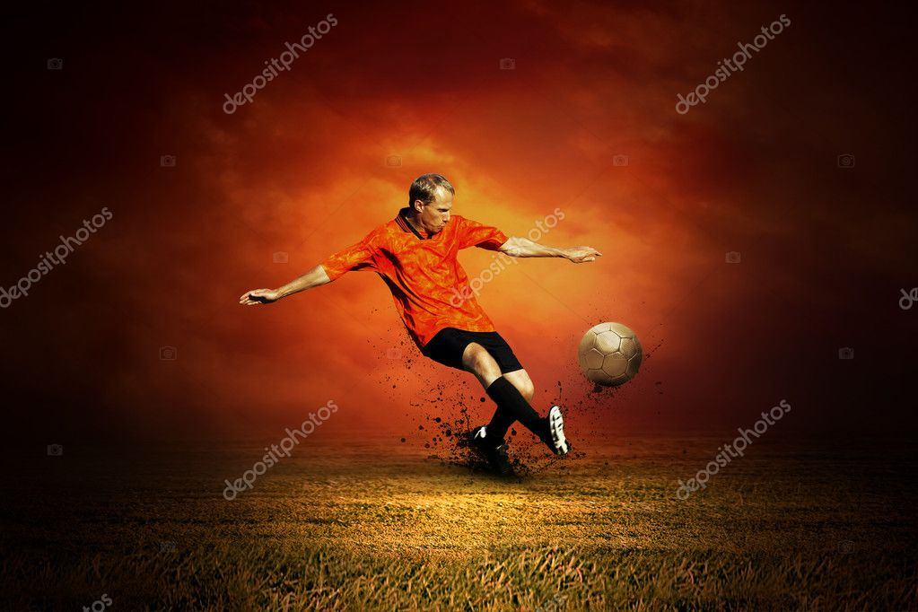 Football player on the outdoors field — Stock Photo #6359114