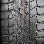 溶かされたトラックのタイヤ — ストック写真