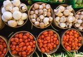 Mushrooms and Tomatoes — Stockfoto