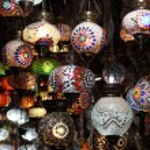 Handmade Turkish lanterns for sale at Grand Bazaar in Istanbul, Turkey — Stock Photo #6243731