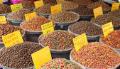 Pet food at the bazaar in Istanbul, Turkey — Stock Photo