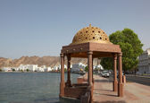 Pavilion with golden cupola at the Corniche of Muttrah, Sultanate of Oman — Stock Photo