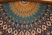 Beautiful mosaic inside of the Sultan Qaboos Grand Mosque in Muscat, Oman — Stock Photo