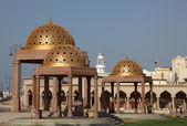 Pavilions mit golden cupola in Muttrah — Stock Photo