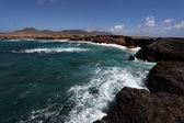 Costa rochosa do canário ilha de fuerteventura, espanha — Foto Stock