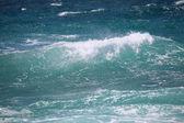 île de vagues de l'océan près des canaries fuerteventura, espagne — Photo