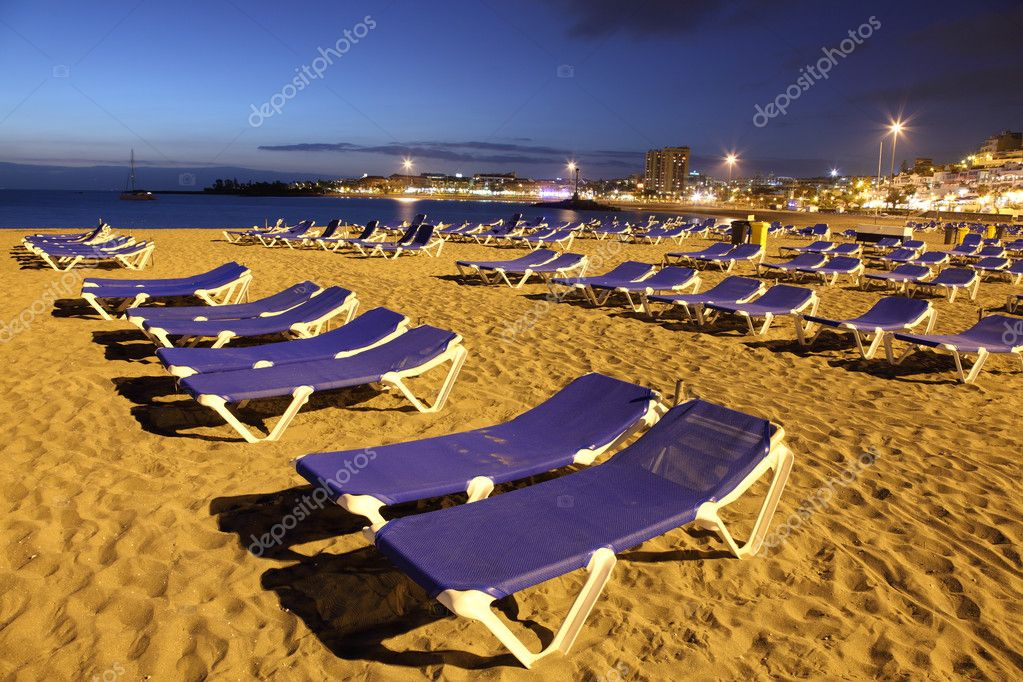 Playa de los Cristianos at dusk. Canary Island Tenerife, Spain — Stock Photo #6377035