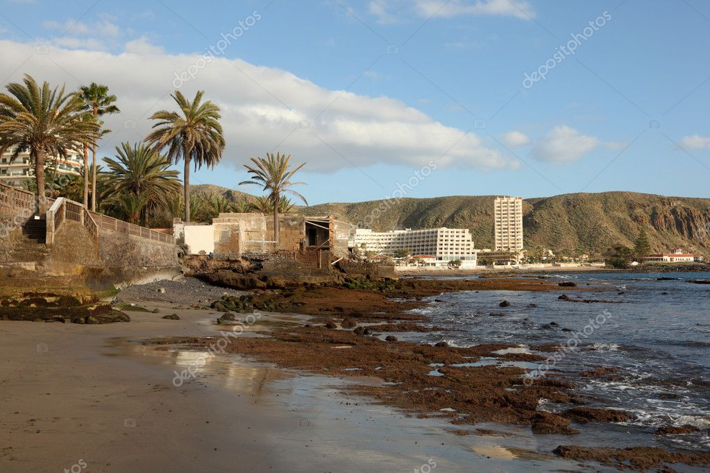 Beach in Los Cristianos, Canary Island Tenerife, Spain — Stock Photo #6377046