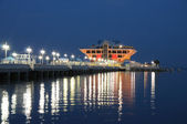 Pier in Sankt Petersburt at night, USA — Stock Photo