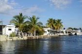 Häuser-ufer in key largo, florida — Stockfoto