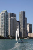 Downtown Miami and Sailing Yacht, Florida — Stock Photo