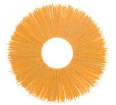 Непросеянной муки спагетти, изолированные на белом фоне — Стоковое фото