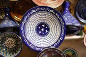 Bunte platten zum verkauf in marrakech, marokko — Stockfoto