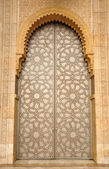 Deur in de hassan ii moskee in casablanca, marokko — Stockfoto