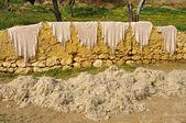 動物の皮、ウール フェズ モロッコ外で乾燥 — ストック写真