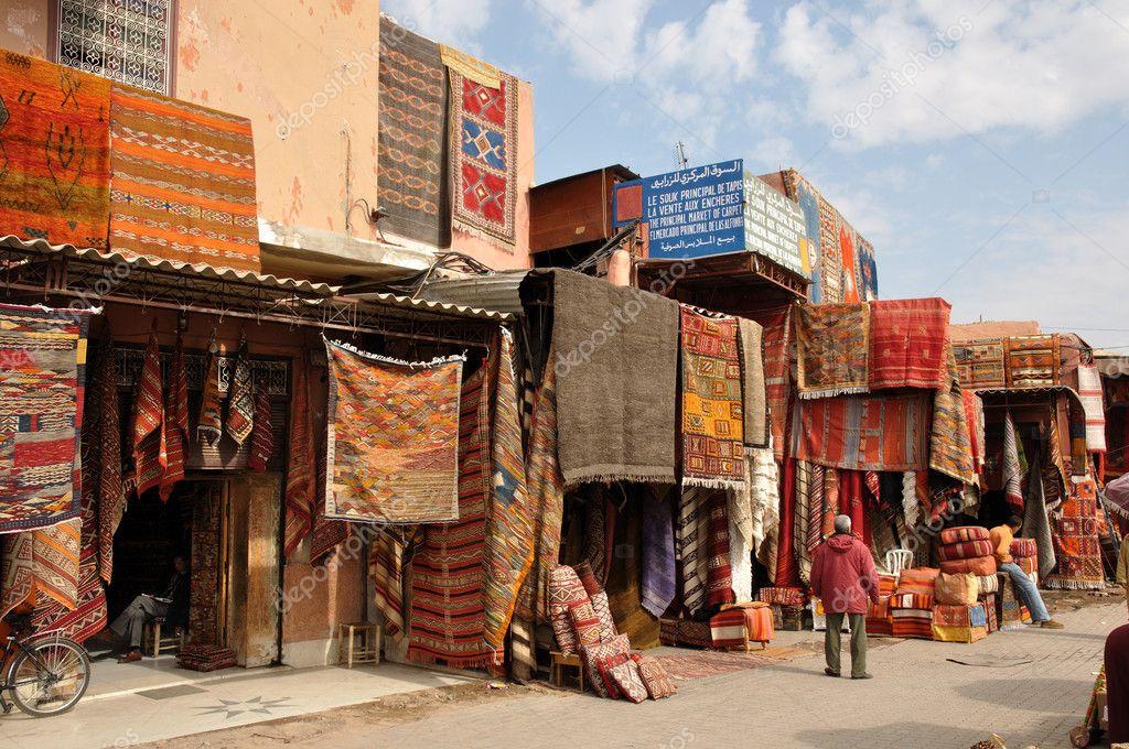 Alfombras para la venta en marrakech, Marruecos — Fotos de ...