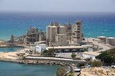 Továrny na pobřeží — Stock fotografie