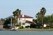 House waterside on Padre Island, Southern Texas, USA — Stock Photo