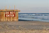 Do Not Enter sign on the beach — Stock Photo