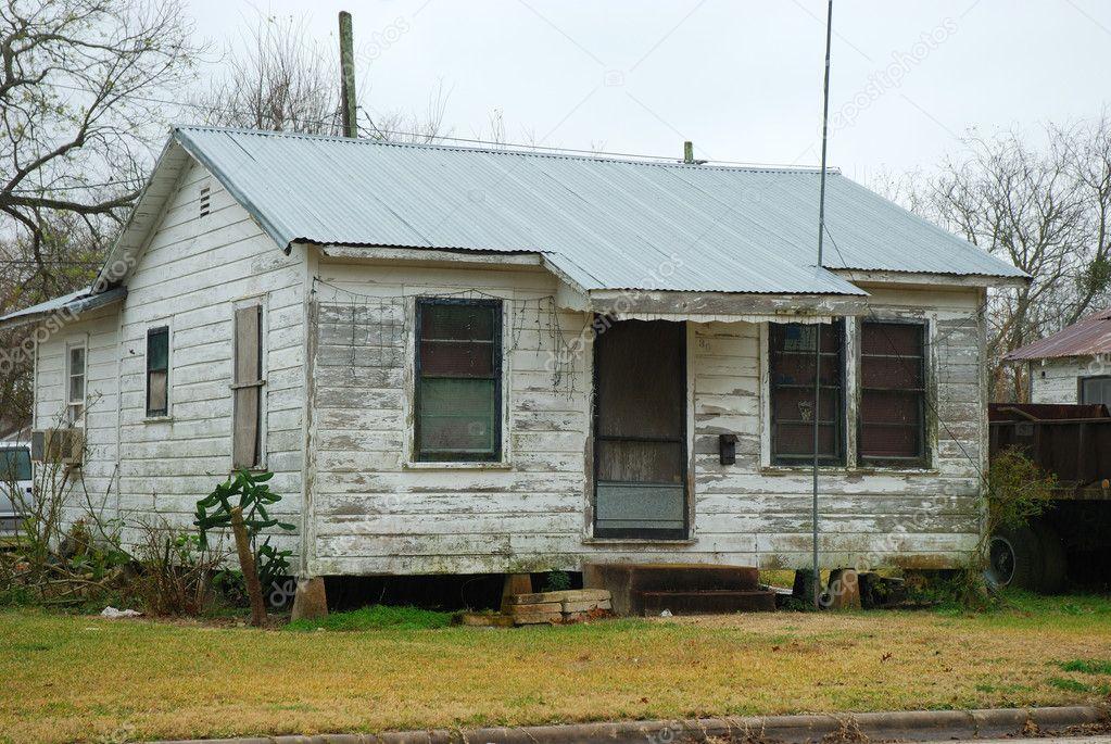 Casa de madera en un barrio pobre estados unidos foto - Casas de madera en alcorcon ...