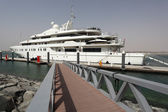 Luxury yacht in Yas Marina, Abu Dhabi United Arab Emirates — Stock Photo