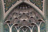 красивая мозаика внутри мечеть султана кабуса в маскате, оман — Стоковое фото