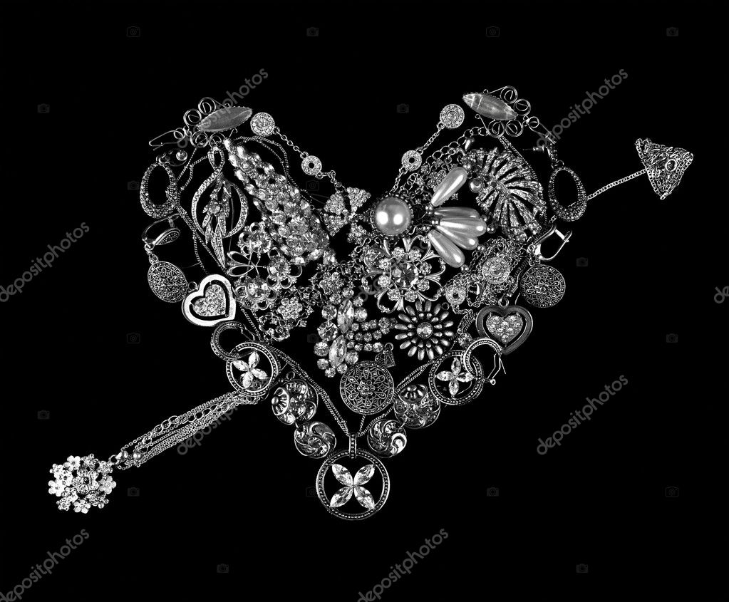Gemstone heart on black background — Photo #6320356
