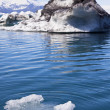 Melting Glacial Icebergs in the Lagoon, Jokulsarlon, Iceland — 图库照片