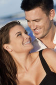Romantic Man and Woman Couple Happy Smiling On Beach — Stock Photo