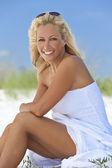 Beautiful Blond Woman in White Dress At Beach — Stock Photo