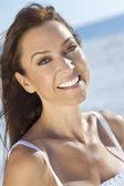 Beautiful Young Woman In Her Thirties at The Beach — Stock Photo